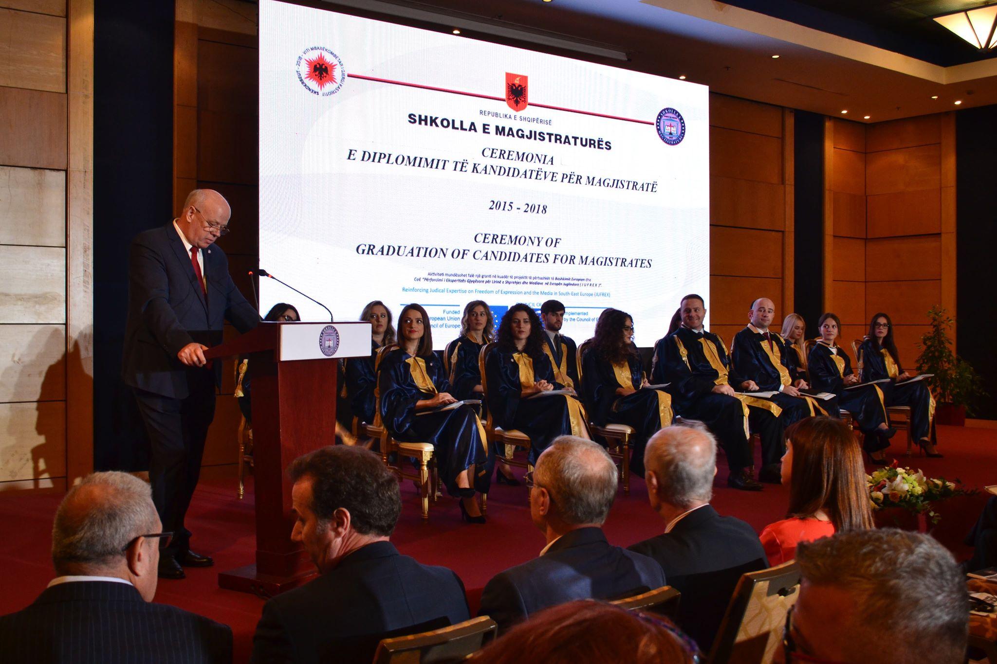 Kryetari i Gjykatës së Lartë Z. Xhezair Zaganjori ka marrë pjesë në ceremoninë e diplomimit të magjistratëve 2015-2018.