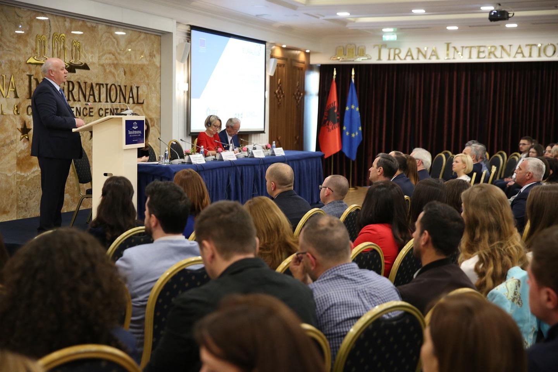 """Në kuadër të 106 vjetorit të Ditës Kombëtare të Drejtësisë, Gjykata e Lartë, Këshilli i Lartë Gjyqësor dhe Misioni EURALUIS V, organizuan aktivitetin e përbashkët me titull: """"90 vjetori i Kodit të parë Civil Shqiptar (1929)"""