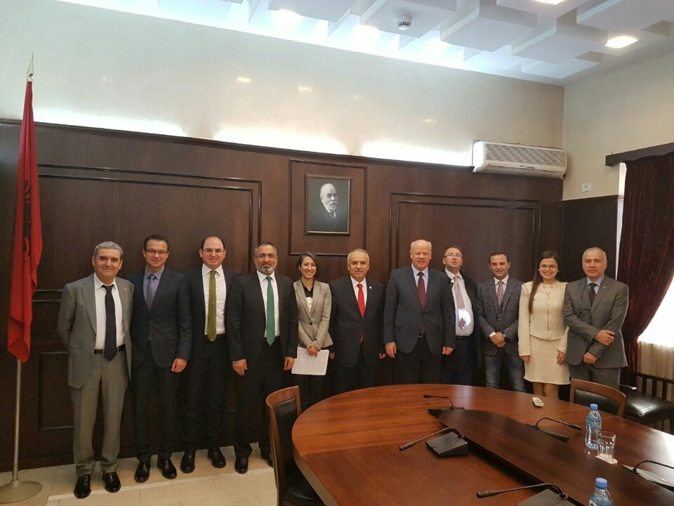 Kryetari i Gjykatës së Lartë Z. Xhezair Zaganjori, priti të hënën në një takim një delegacion të përbërë nga anëtarë të Këshillit të Lartë Gjyqësor të Republikës së Turqisë.