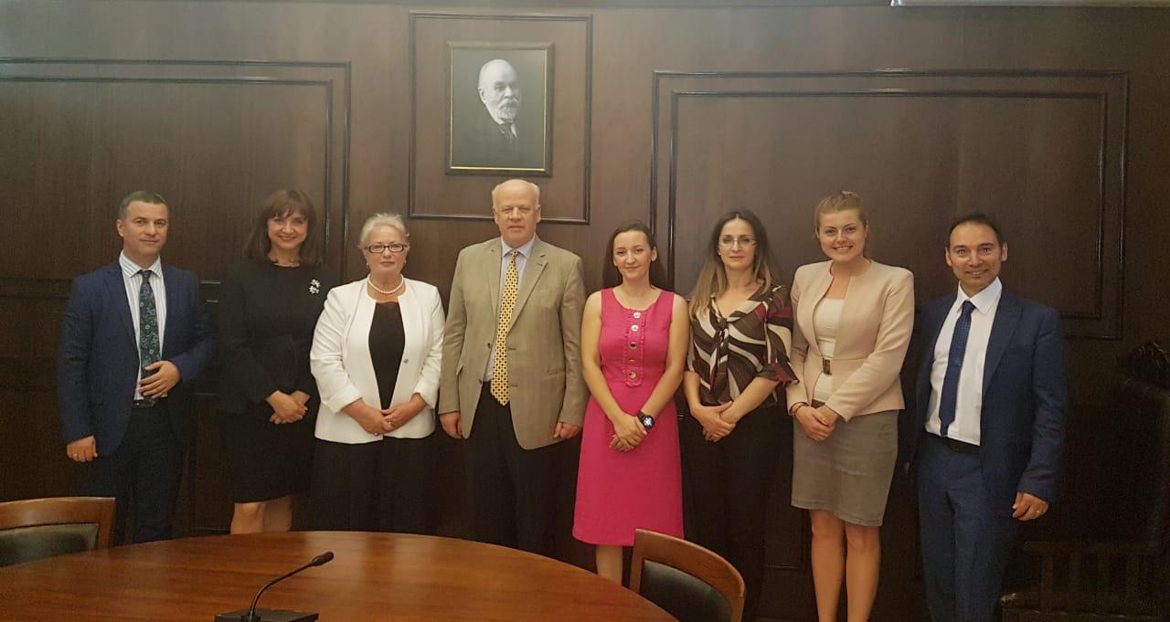 Kryetari e Gjykatës së Lartë Z. Xhezair Zaganjori është takuar ditën e enjte, 21.06.2018, me një delegacion nga Zyra e Avokatit të Popullit të Republikës së Kosovës.