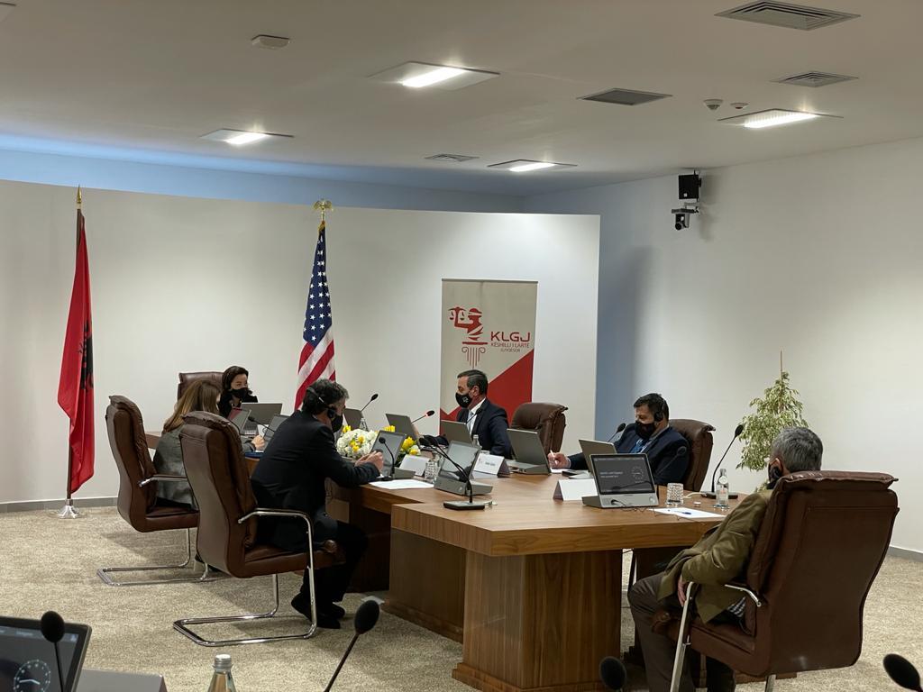 Zëvëndës Kryetari i Gjykatës së Lartë Z. Sokoli Sadushi mori pjesë në takimin e zhvilluar mes Ambasadores së Shteteve të Bashkuara të Amerikës Zj. Yuri Kim dhe Kryetares e anëtarëve të Këshillit të Lartë Gjyqësor.