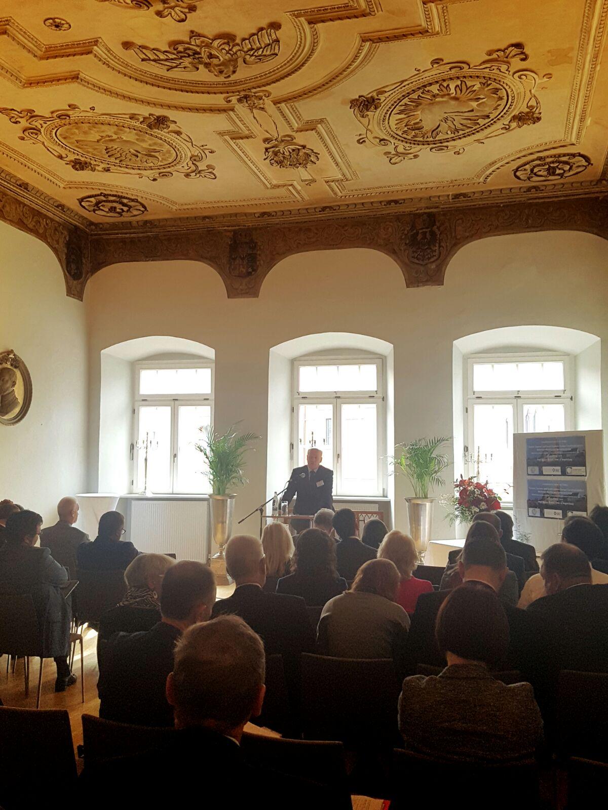 """Kryetari i Gjykatës së Lartë Z. Xhezair Zaganjori, ka marrë pjesë në zhvillimet e punimeve të Kongresit të 18 mbi """"Drejtësinë Kushtetuese dhe Politikën"""", organizuar në 14-15 Tetor 2016 nga Universiteti i Regensburg-ut dhe Qendra Zhan Mone në Gjermani"""