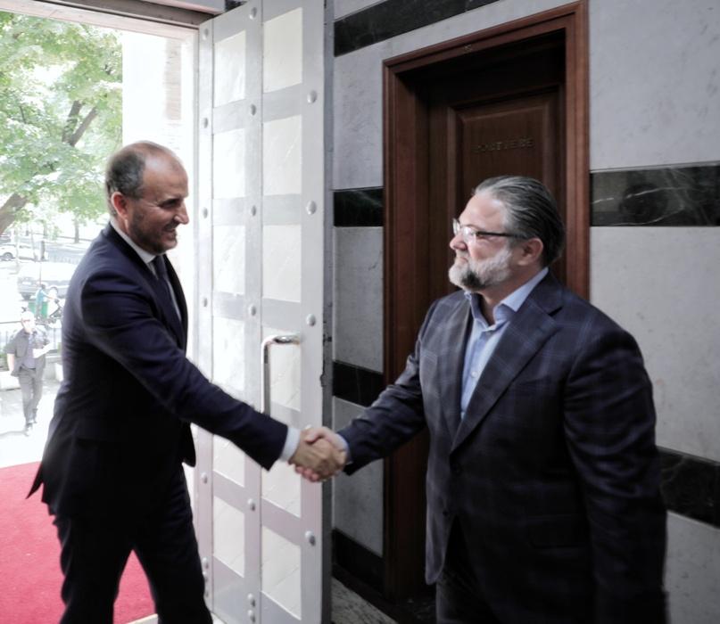 Ambasadori i Delegacionit të Bashkimit Evropian në Tiranë, SH.T.Z. Luigi Soreca, ishte të mërkurën në Gjykatën e Lartë për të zhvilluar një takim pune me Kryetarin e Këshillit të Emërimeve në Drejtësi Z. Ervin Pupe.
